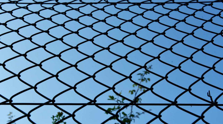 kontos-wires-corfu-fencing-oikopeda-1